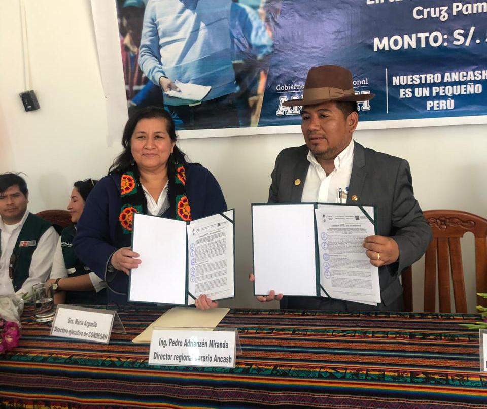 Firma de convenio específico de cooperación interinstitucional entre la Dirección Regional Agraria Ancash y CONDESAN, para la ejecución del AICCA