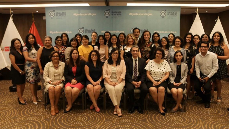 Autoridades del gobierno peruano ratifican compromisos con el enfoque de género en la gestión del agua